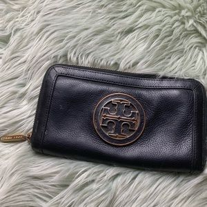 Tory Burch Black Leather Wallet w Gold Hardware